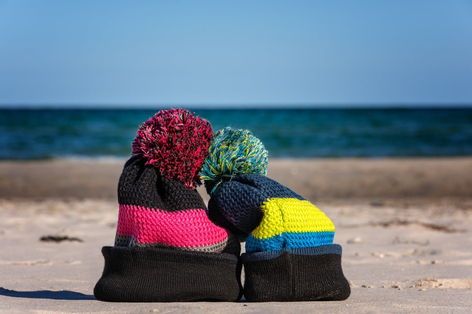 How long does it take to knit a hat?