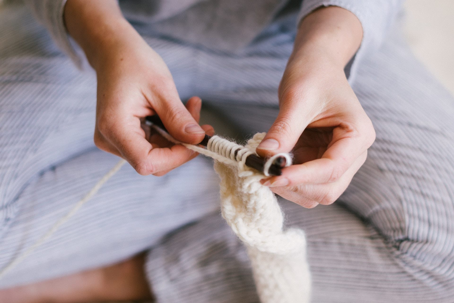 How Do I Stop My Fingers From Hurting When I Knit?