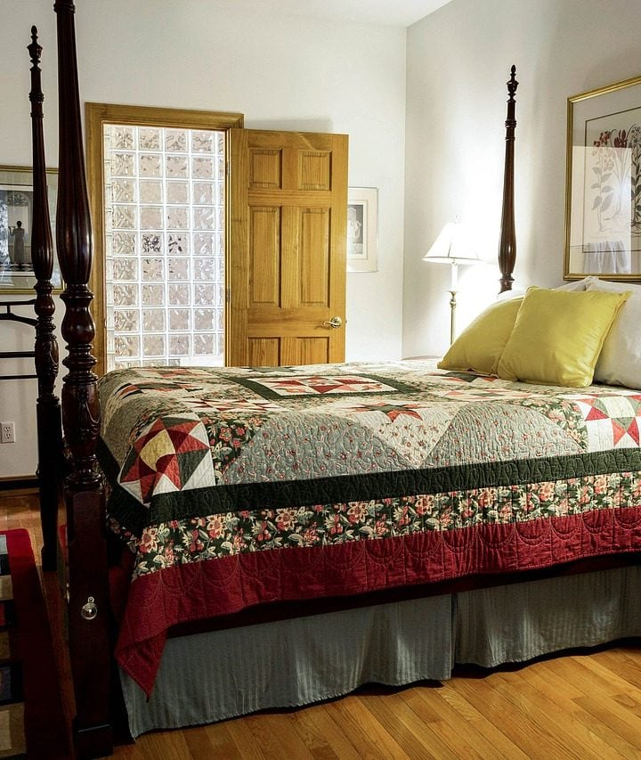 Why do we use quilts in winter?