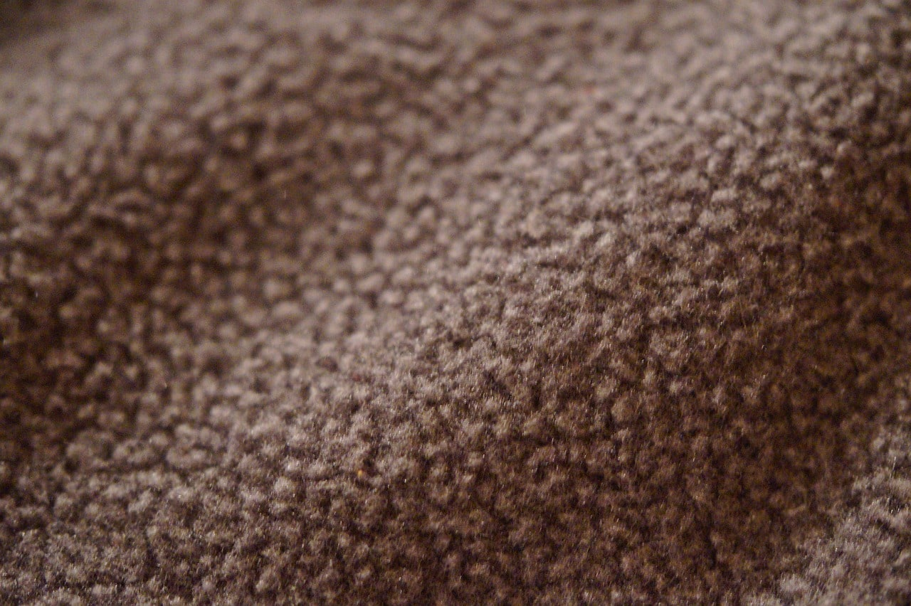 How do you tell the right side of fleece fabric?