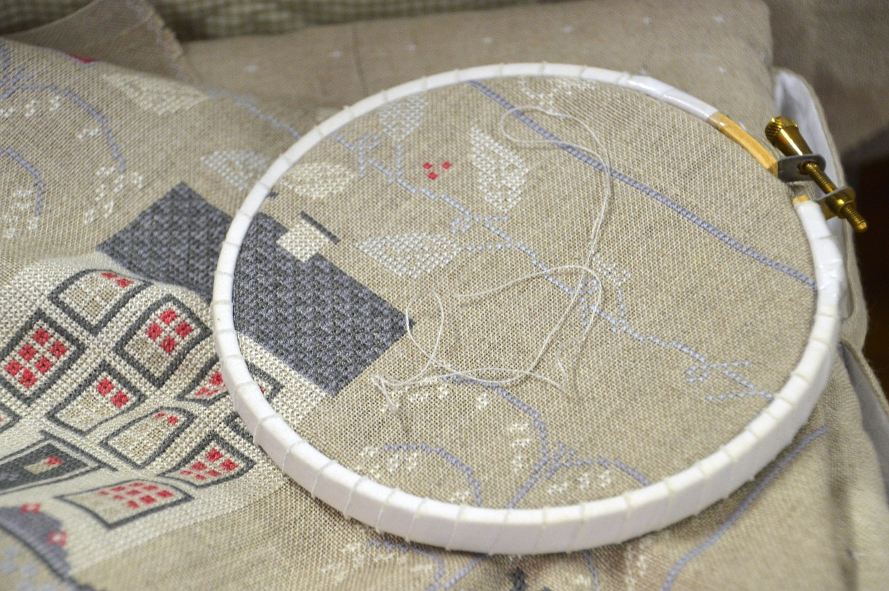 Can you cross stitch without a pattern?