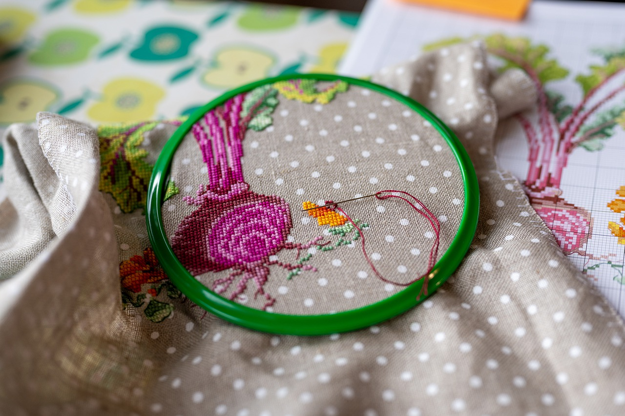 Tutorial: How to Cross-Stitch with Multiple Colors