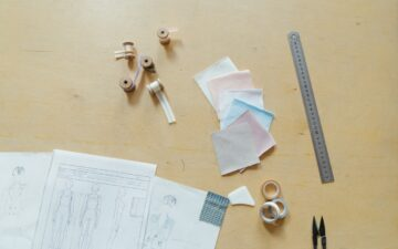 Do sewing patterns include seam allowance?