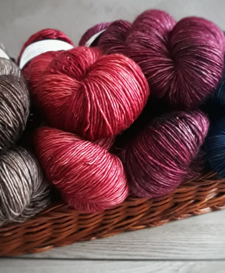 Does Crochet or Knitting Take More Yarn?