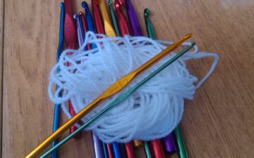 How to choose the right crochet hook size every time